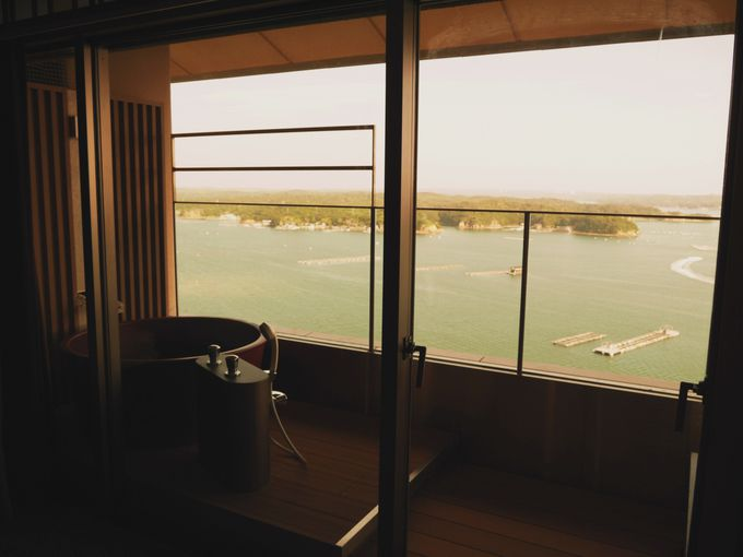 夕食の前に展望風呂に入ろう!海を眺めながらの極楽タイムを