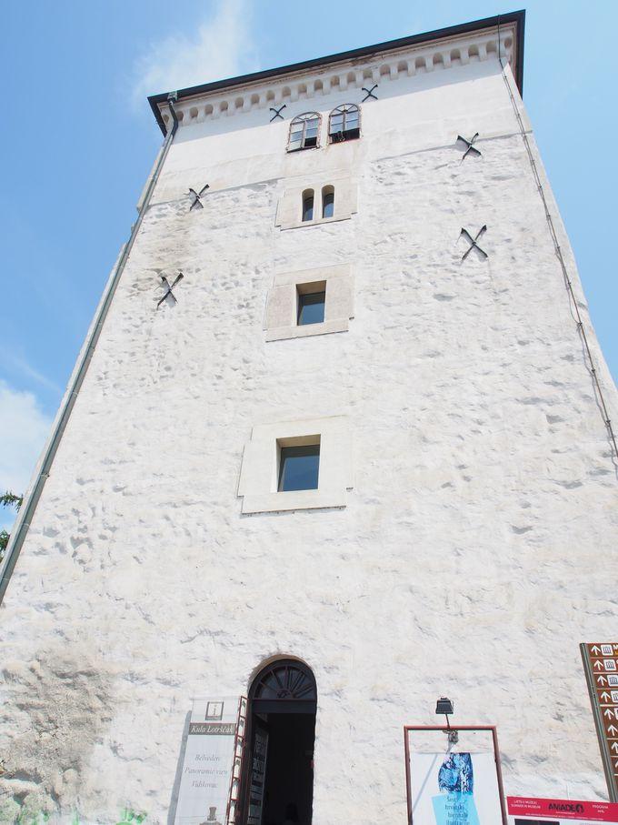 19世紀から鳴り響く正午の号砲!ロトルシュチャク塔
