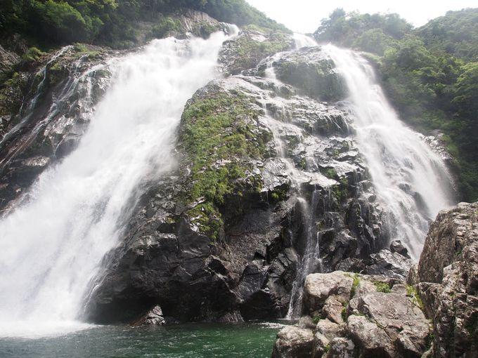 屋久島のマイナスイオンをたっぷり受ける滝巡り