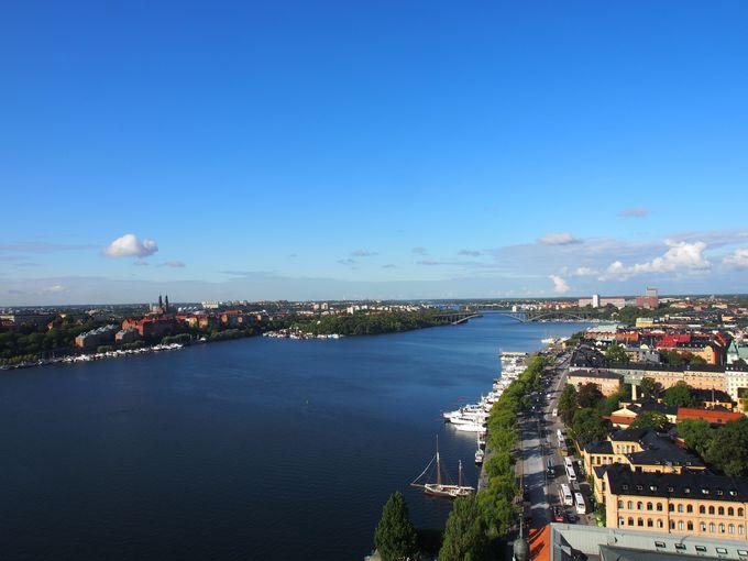 空から街を見渡す景色は市庁舎の塔から!