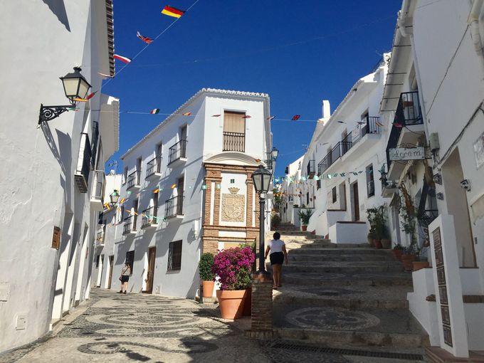 """スペインで""""一番美しい""""白い村「フリヒリアナ」で ..."""