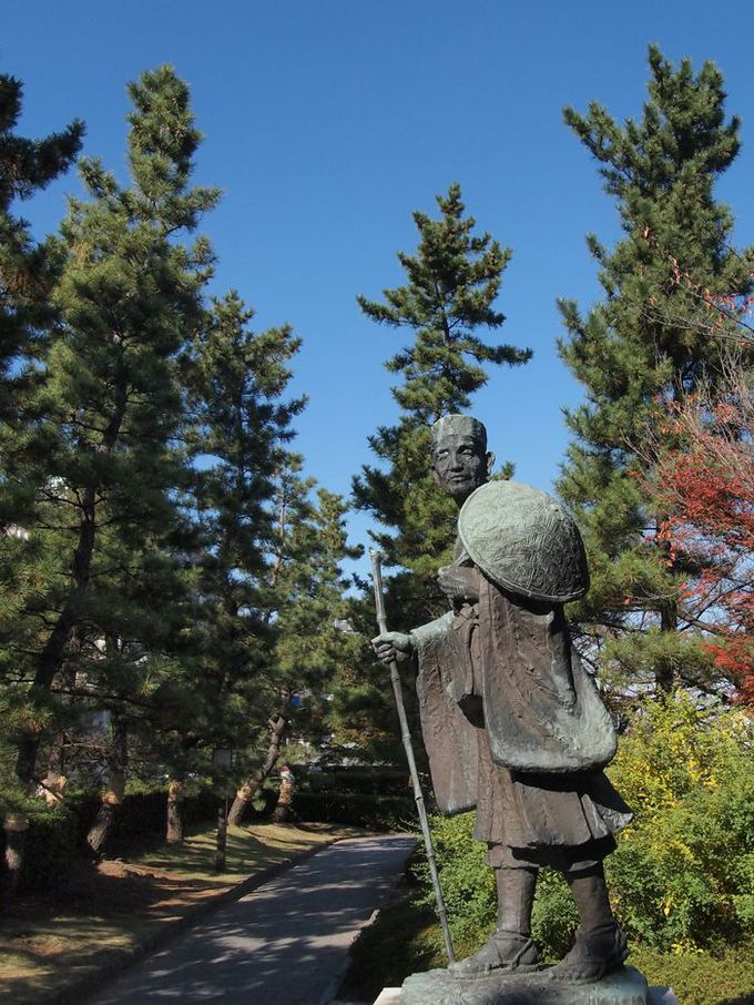 札場河岸公園で松尾芭蕉が待っている