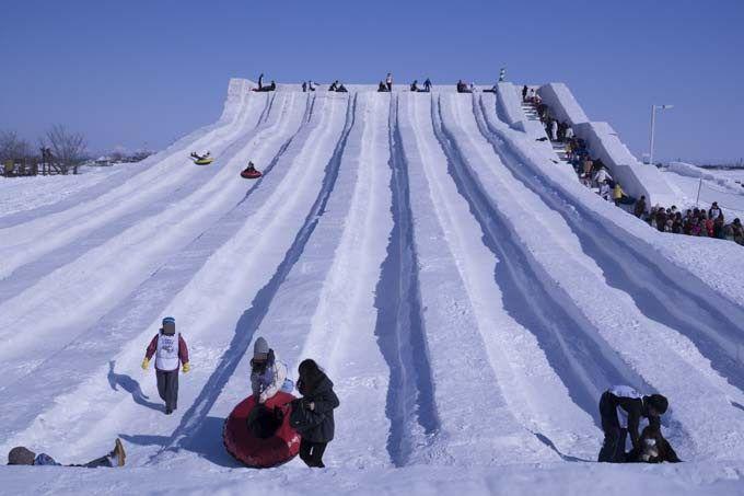 大人気!100mのチューブスライダー「さっぽろ雪まつりつどーむ会場」