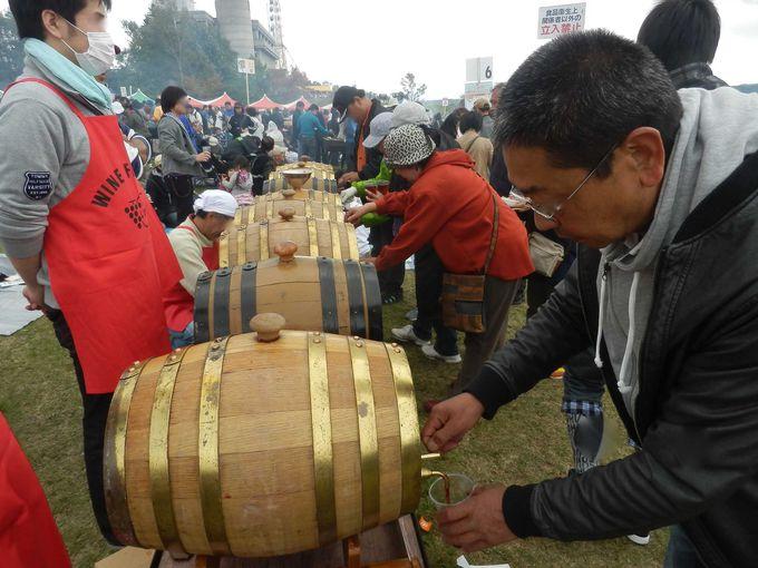 ワインの樽から直接注いで飲みます