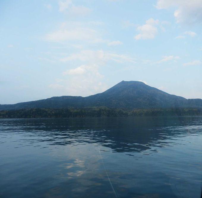 「雄阿寒岳」が見える雄大なパノラマ