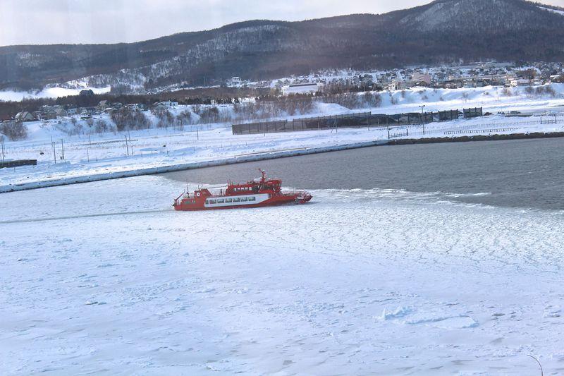 オホーツクの流氷を砕いて走る!「ガリンコ号IIで流氷クルーズ」