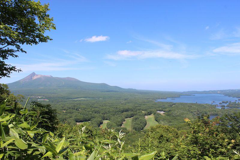 火山が作り上げた美しい湖畔とアートな温泉♪函館「大沼国定公園」