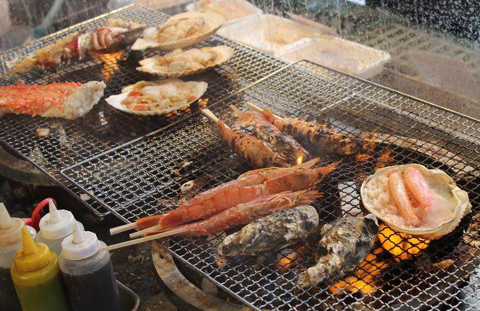 生簀の食材を使った「海鮮あぶり焼き」