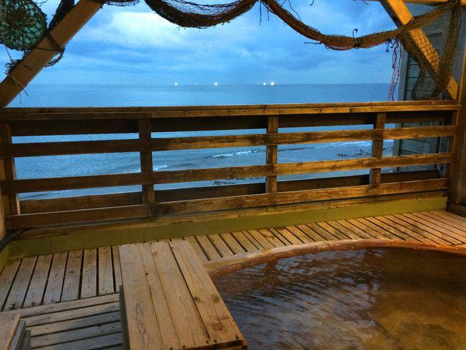 津軽海峡を眺めながらのんびり入浴「湯の川温泉」