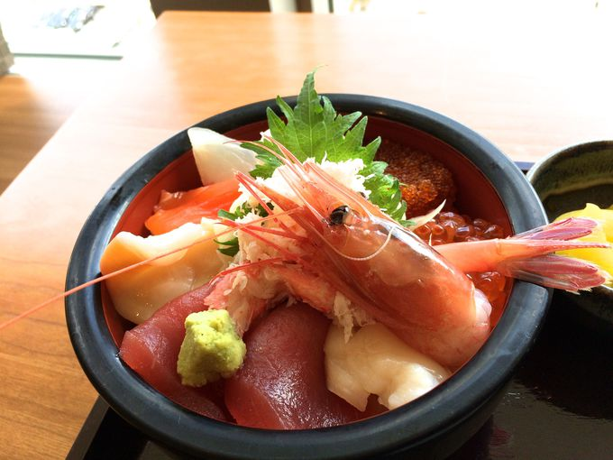 ステラダイニング・北海道料理・札幌銀鱗「海鮮丼」