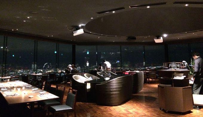 270度ガラス窓で夜景が映える