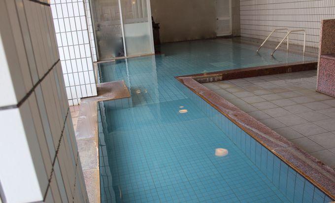 「源泉かけ流し」自慢の大浴場