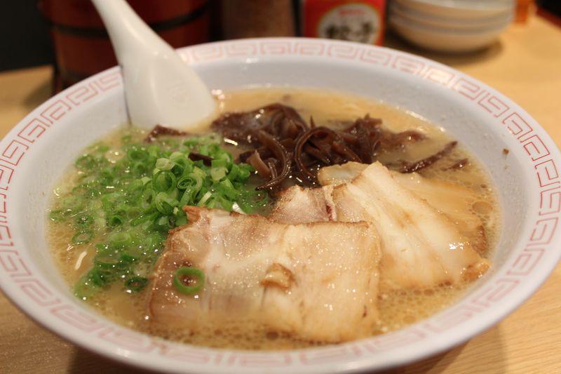 福岡空港で絶対に食べたい!美味しい博多ご当地グルメ3選