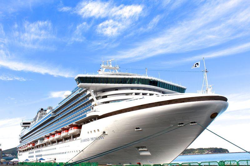 豪華クルーズ船「ダイヤモンド・プリンセス」が入出港する!北海道小樽港