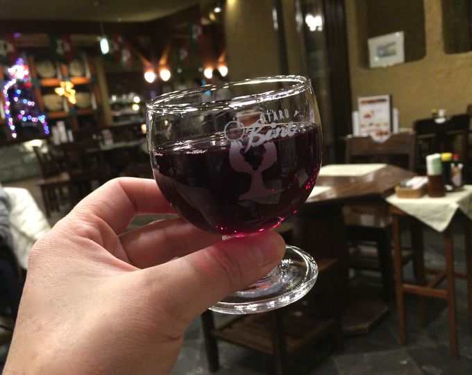 地元産のおいしいワインはコーヒー感覚でいただこう!