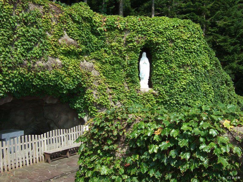 ルルドの洞窟を訪れてみよう!