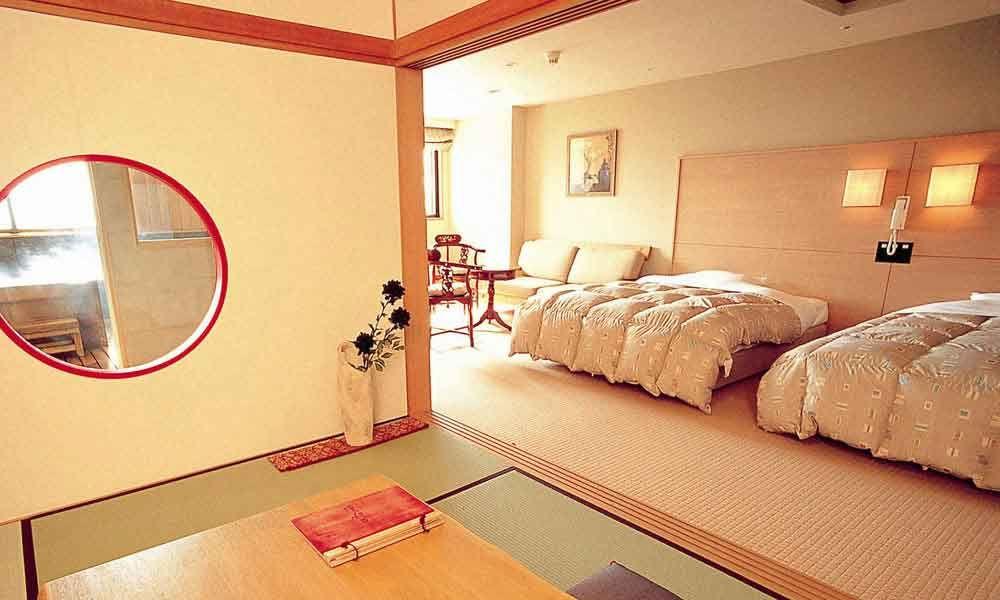 スーペリア和洋室の客室や個室温泉、露天風呂付客室も!