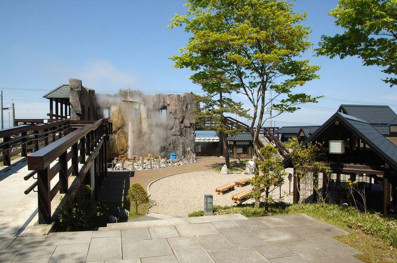 北海道「しかべ間歇泉公園」間歇泉と浜の母さん食堂のランチを堪能!
