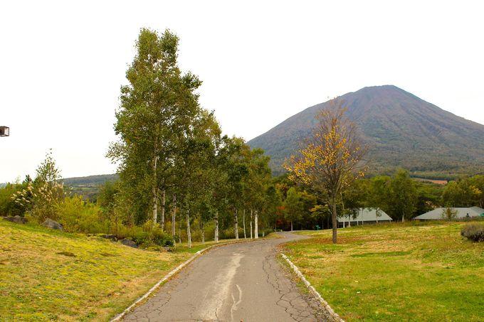 羊蹄山を背景に景色が美しいオーベルジュ