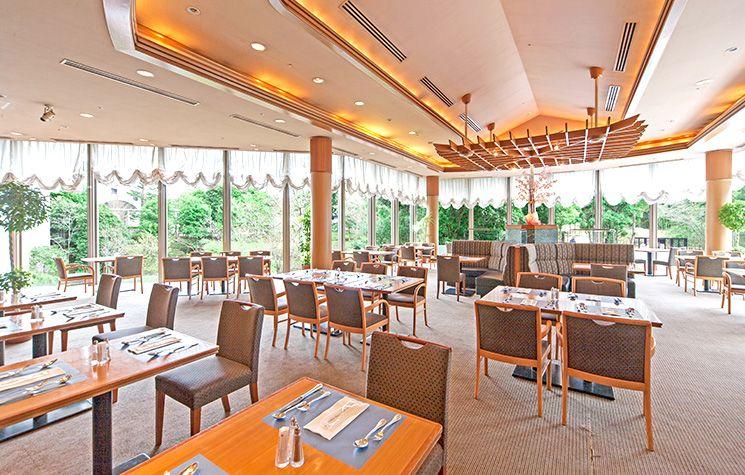 国際色豊かな朝食会場