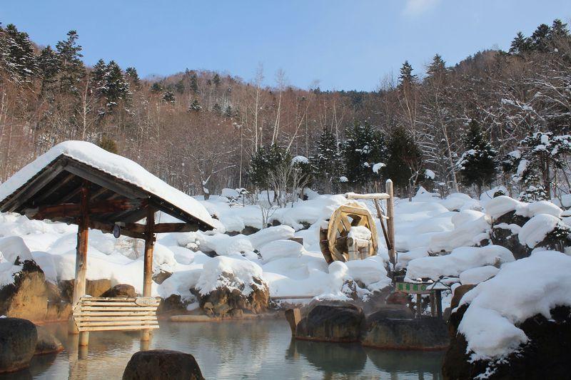 鮮度◎札幌定山渓・立ち寄り湯「豊平峡温泉」の雪見風呂と必食ネパールカレー