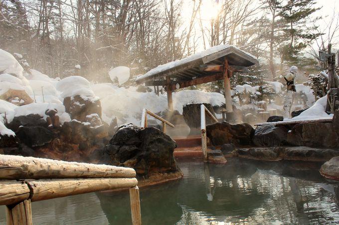 大露天風呂で雪見風呂を満喫!