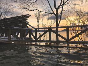 秘湯!支笏湖畔「丸駒温泉」は天然露天風呂が魅力
