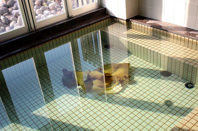 巨大利尻昆布が入った「ホテル雲丹御殿」の大浴場!