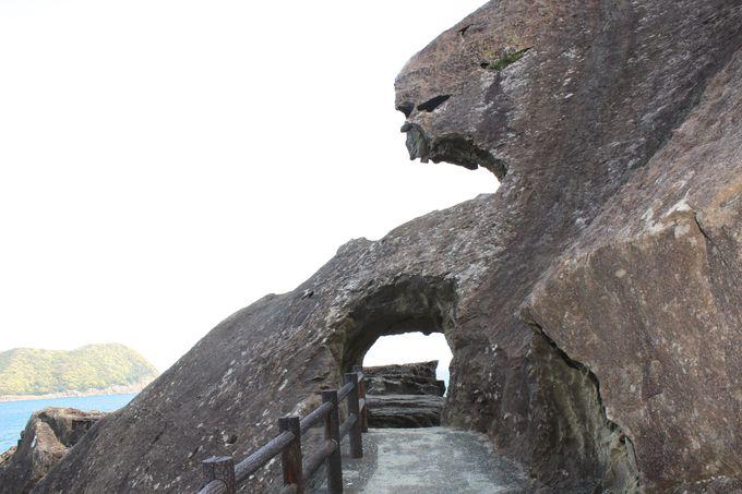 ユニークな洞窟や造形岩がいっぱい!