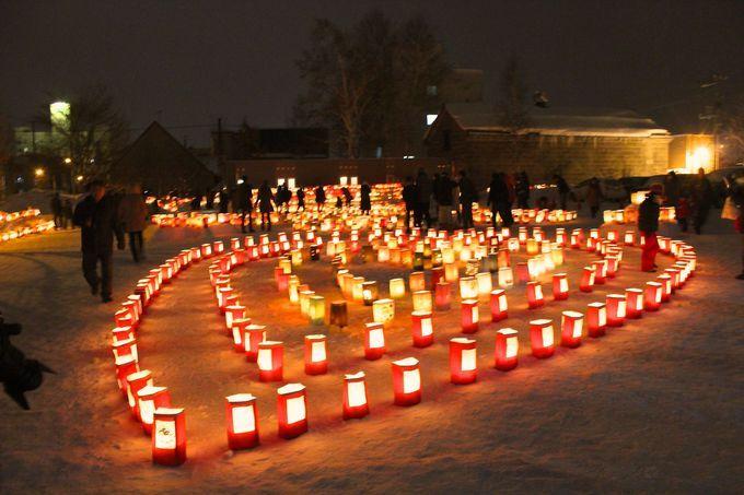 ロウソクの灯が燃え尽きるまで!「たきかわ紙袋ランターンフェスティバル」