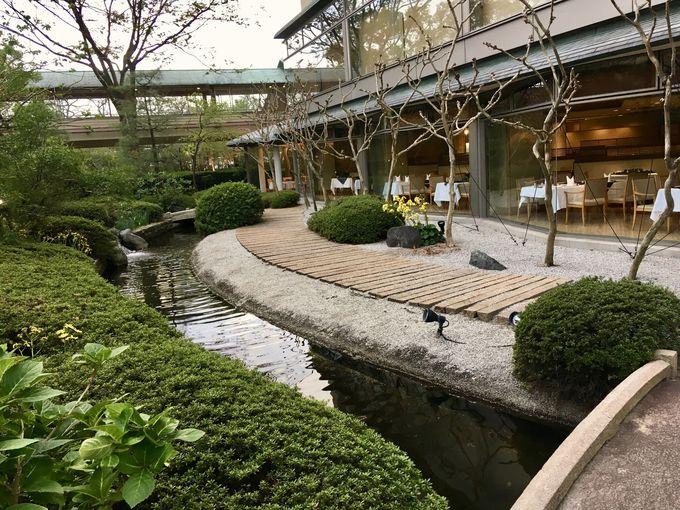 庭園レストラン「くすの木」