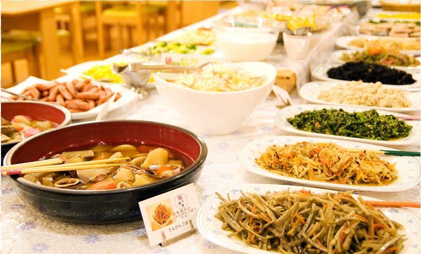 懐かしのお惣菜が並ぶ朝食ブッフェ