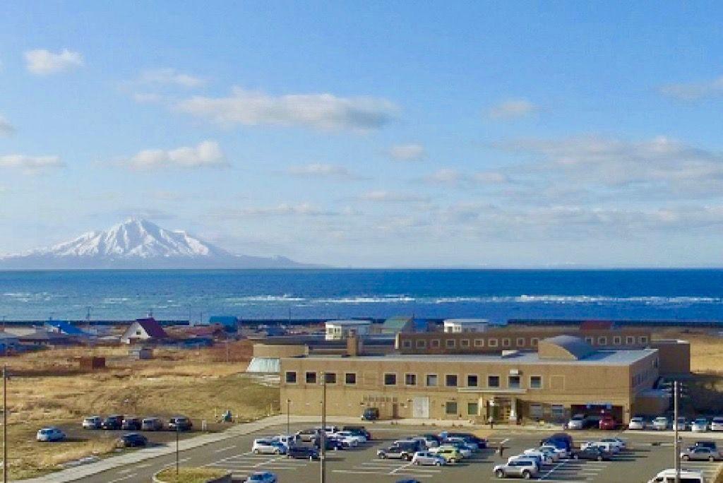 日本海と利尻富士が見える西海岸