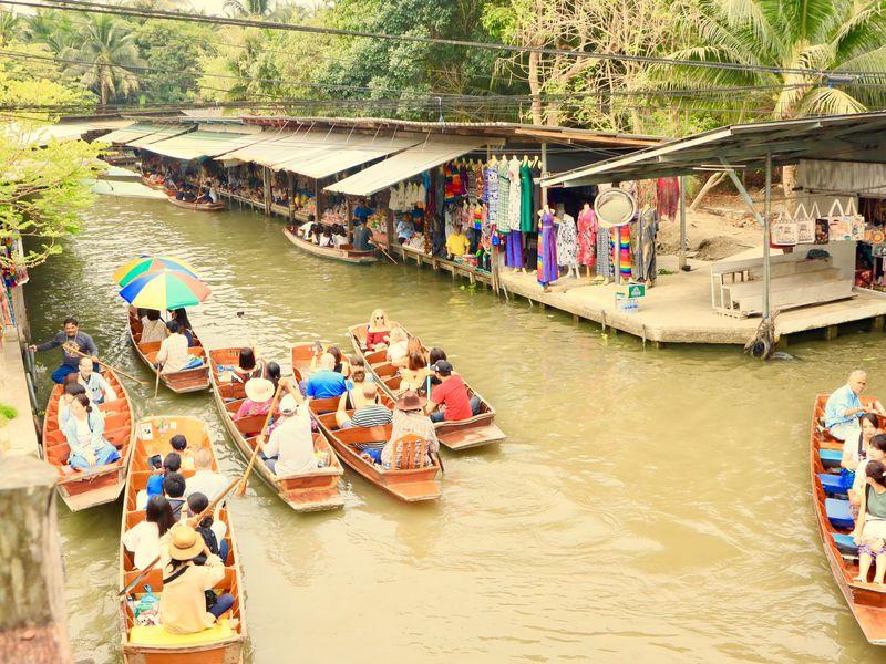 タイ「ダムヌンサドゥアック水上マーケット」でお買い物を楽しもう!
