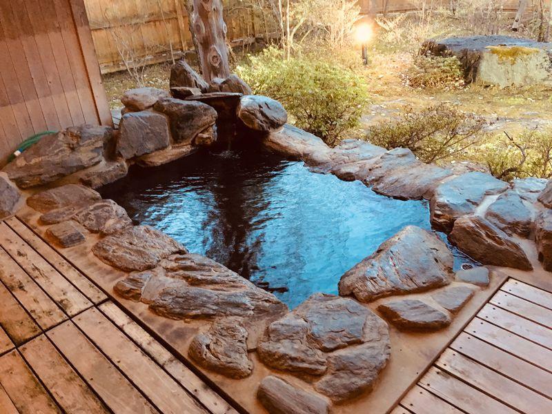 こけしの故郷!鳴子温泉郷「旅館ゆさ」貸切露天風呂で癒されよう!