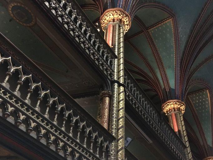 手すりや螺旋階段の装飾も!