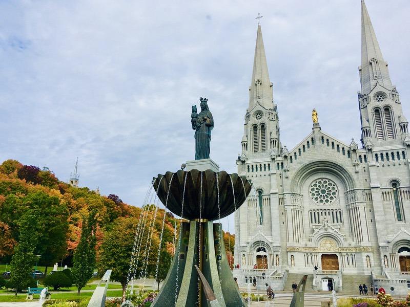 ケベック州の三大巡礼地!「サンタンヌ・ド・ボープレ大聖堂」