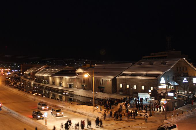 「出抜小路」火の見やぐらから小樽運河のイベントを観賞!