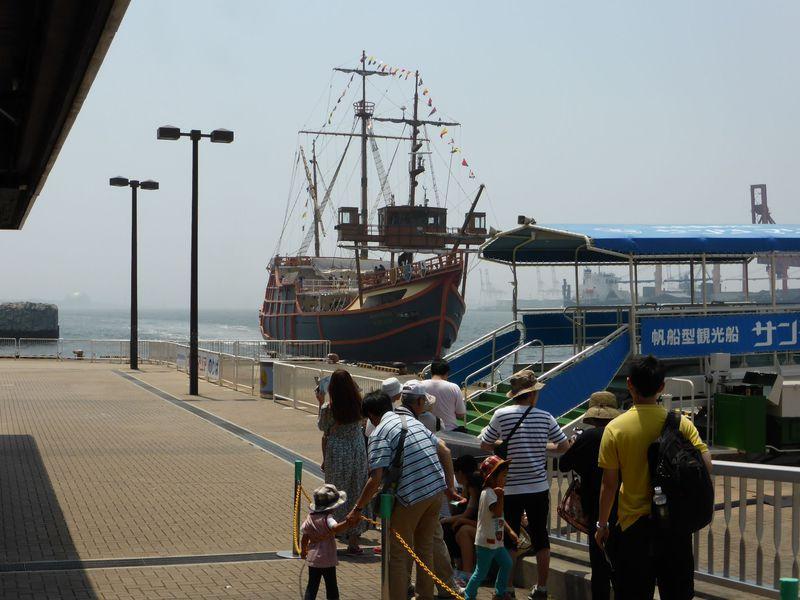 サンタマリア号に乗って大阪港を周遊!海上からの眺めも満喫