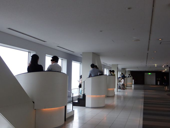 40階展望フロアふたりの特等席「エスカルゴキャビン」