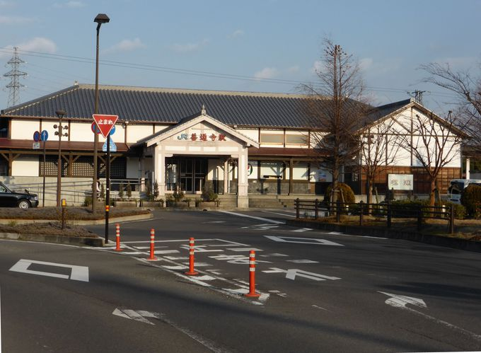 明治22年開業の「JR善通寺駅」