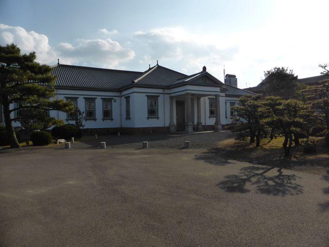 善通寺市役所の敷地内・偕行社(かいこうしゃ)