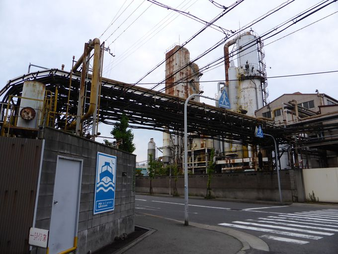 「中山製鋼所」の近くにある「木津川渡船場」