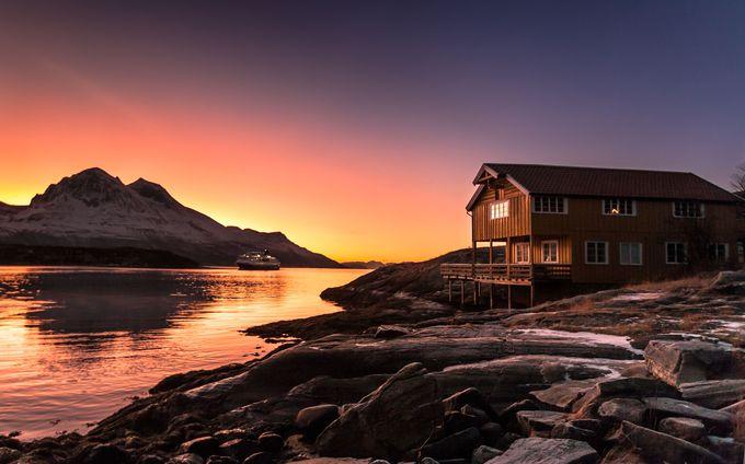 ノルウェーの美味しい料理と快適な船内を楽しむ!