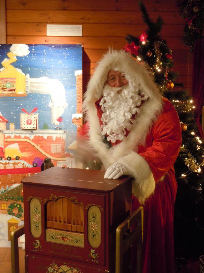 プレゼントの準備の合間を縫って、サンタさんが札幌に!