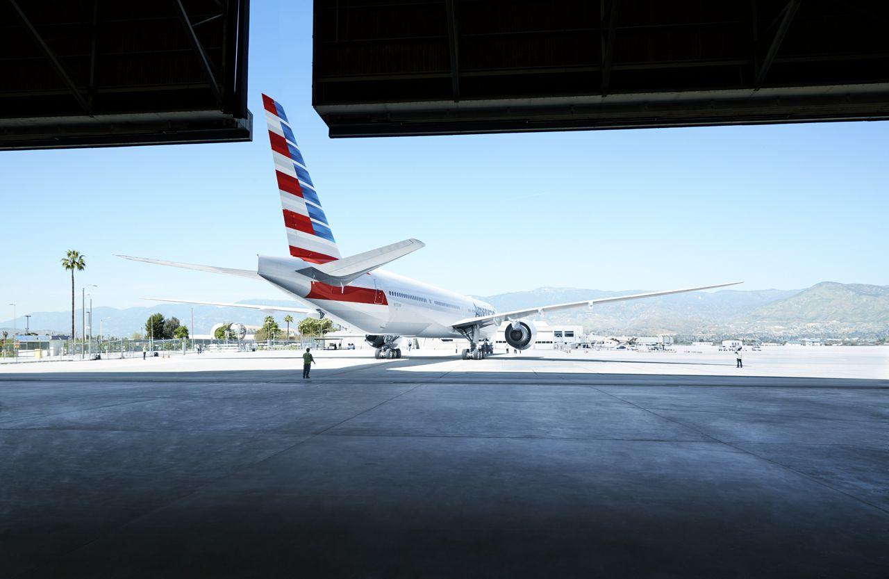 アメリカン航空のプレミアムエコノミーが快適!機内食やマイルの情報まとめ