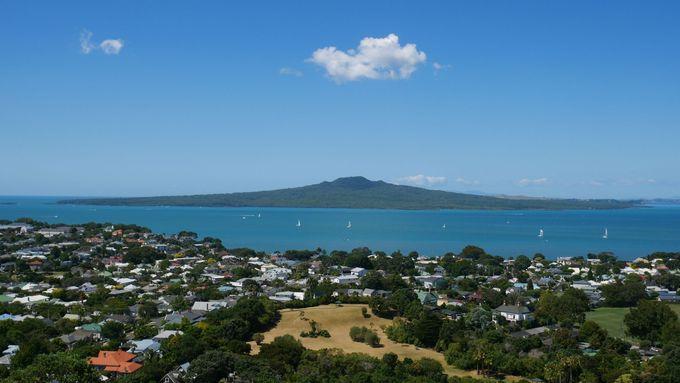 ニュージーランド行きの直行便はある?