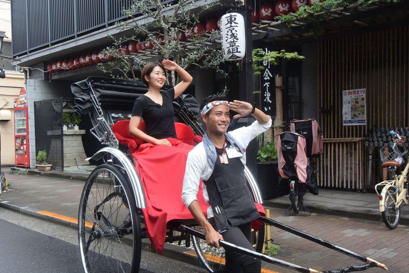 粋なガイドが浅草をご案内!「えびす屋東京浅草店」の人力車で下町巡り