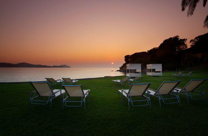 夕日に染まる浜から絶景を。NEMU RESORT「宵空感動体験」