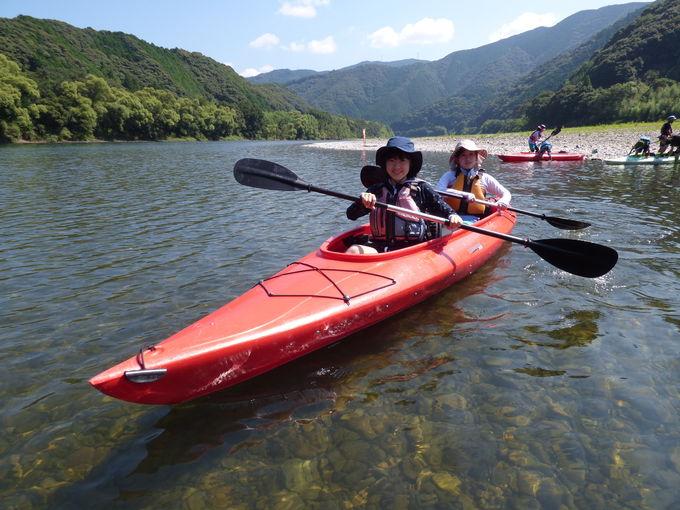 日本最後の清流、青く澄んだ美しい四万十川でカヌー体験